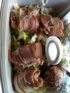 fruited bacon chicken rolls