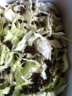cabbage and sultanas in slow cooker